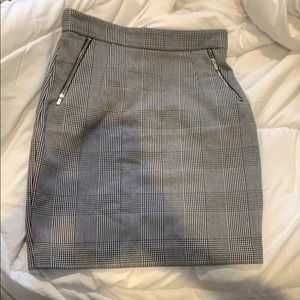 H&M houndstooth black / white pencil skirt Sz 8